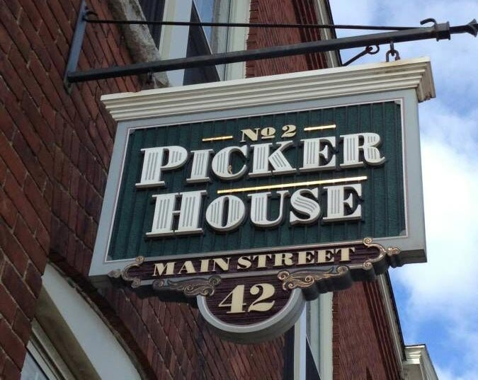 picker house sign